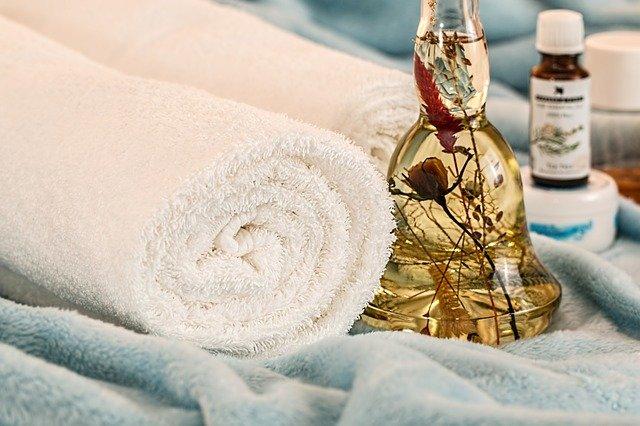 Belle peau : geste hydratant plaisir et santé